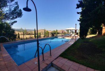 piscina-exterior-los-cortijos